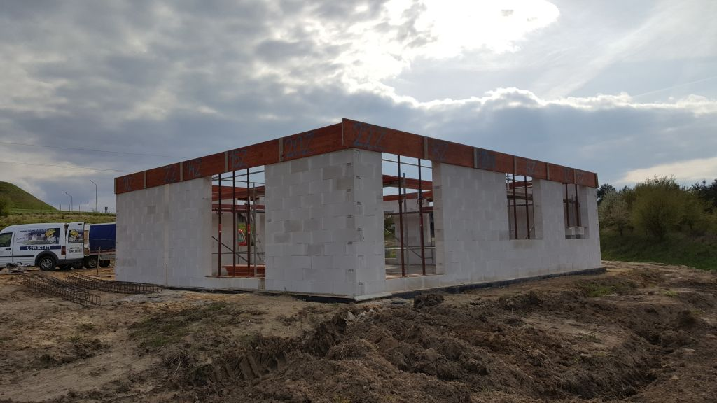 [Obrazek: budowa_domu_2017_04_25_44.jpg]