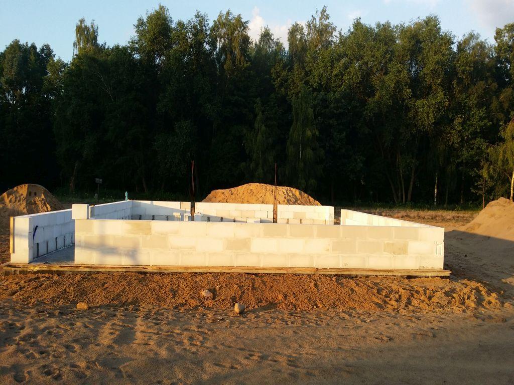 [Obrazek: budowa_domu2106_scianynosne_1.1.jpg]