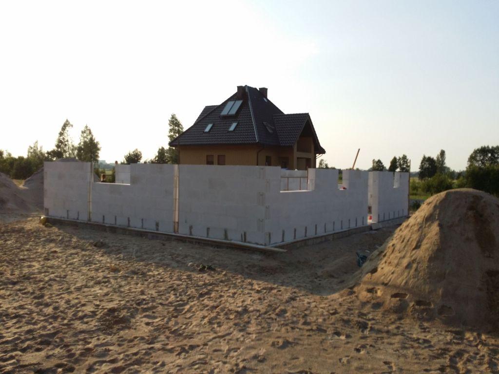 [Obrazek: budowa_domu2106_scianynosne_1.11.jpg]