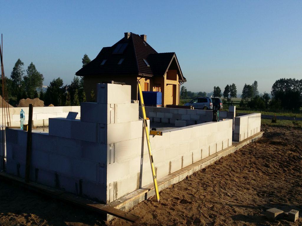 [Obrazek: budowa_domu2106_scianynosne_1.9.jpg]