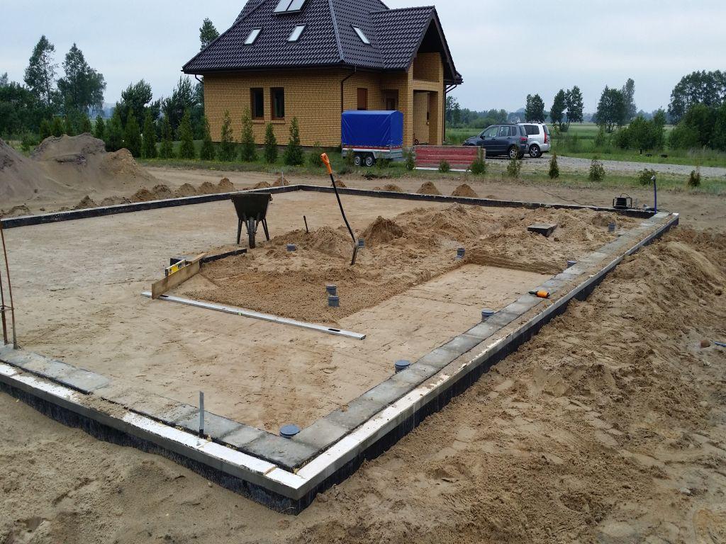 [Obrazek: budowa_domu_2016_betonowanie.23.jpg]
