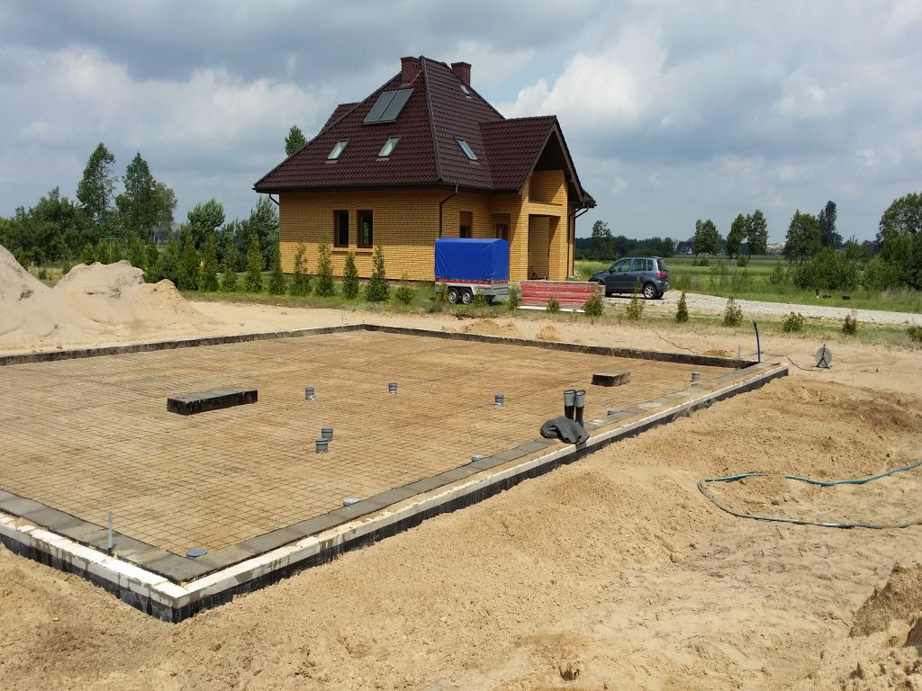 [Obrazek: budowa_domu_2016_betonowanie.25.jpg]