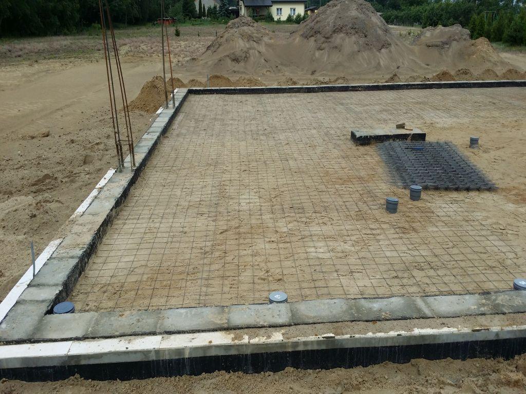 [Obrazek: budowa_domu_2016_betonowanie.3.jpg]