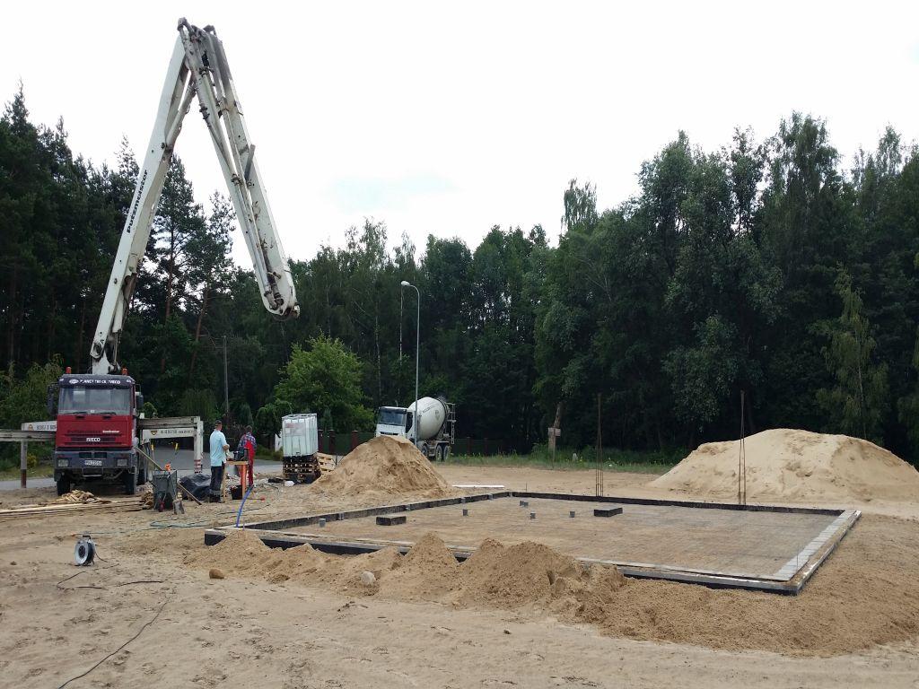 [Obrazek: budowa_domu_2016_betonowanie.38.jpg]