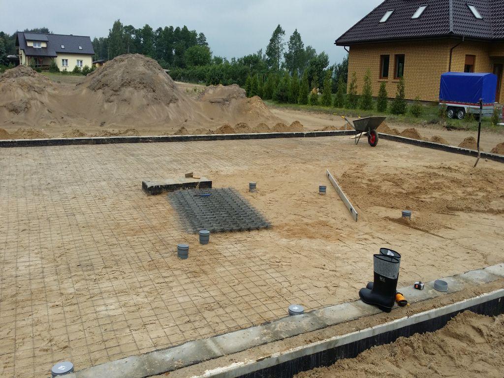 [Obrazek: budowa_domu_2016_betonowanie.4.jpg]