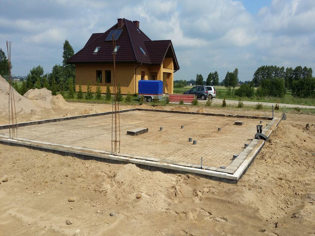 [Obrazek: budowa_domu_2016_betonowanie.5.jpg]