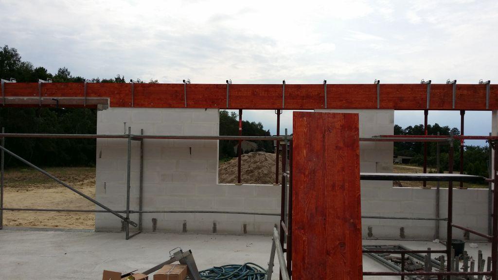 [Obrazek: budowa_domu_2016_zalewanie_wienca_105.jpg]