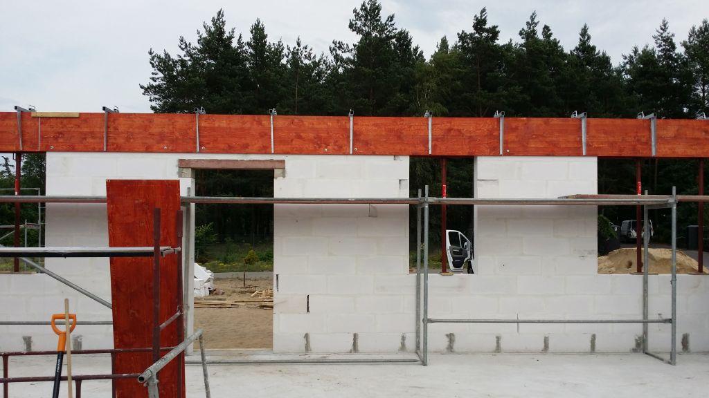[Obrazek: budowa_domu_2016_zalewanie_wienca_111.jpg]