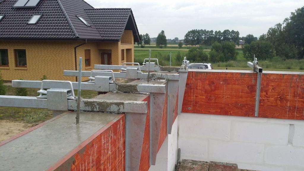 [Obrazek: budowa_domu_2016_zalewanie_wienca_133.jpg]