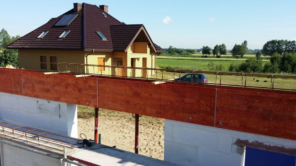 [Obrazek: budowa_domu_2016_zalewanie_wienca_24.jpg]