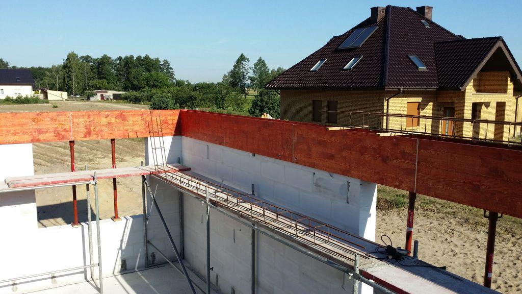 [Obrazek: budowa_domu_2016_zalewanie_wienca_25.jpg]