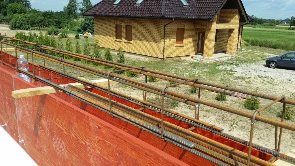 [Obrazek: budowa_domu_2016_zalewanie_wienca_62.jpg]