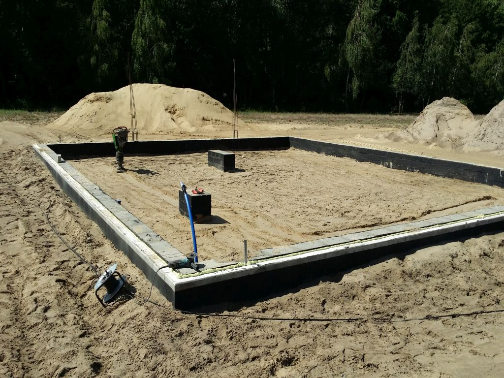 [Obrazek: projekt_domu_taniego_w_budowie.9.jpg]